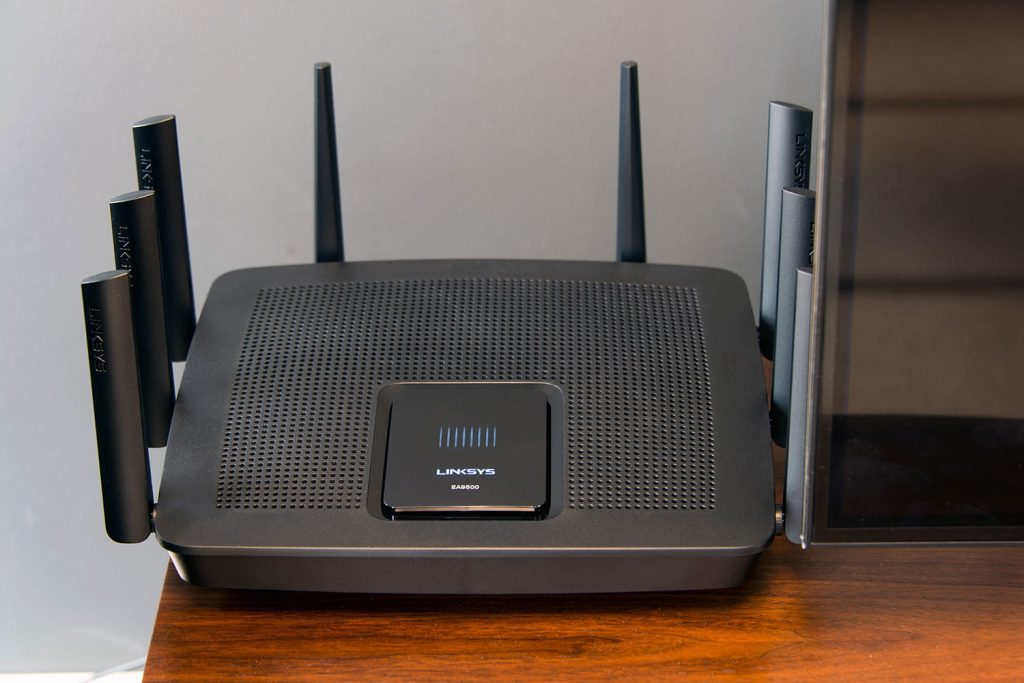 The Linksys EA9500 Router is a beast, both in terms of size and performance. It may take up a lot of space, but there's a reason for that.