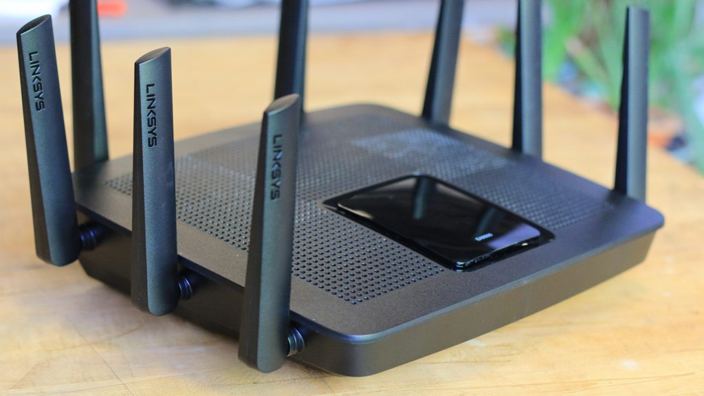 CUSTOMIZE AND MANAGE YOUR HOME WIFI ANYTIME, ANYWHERE