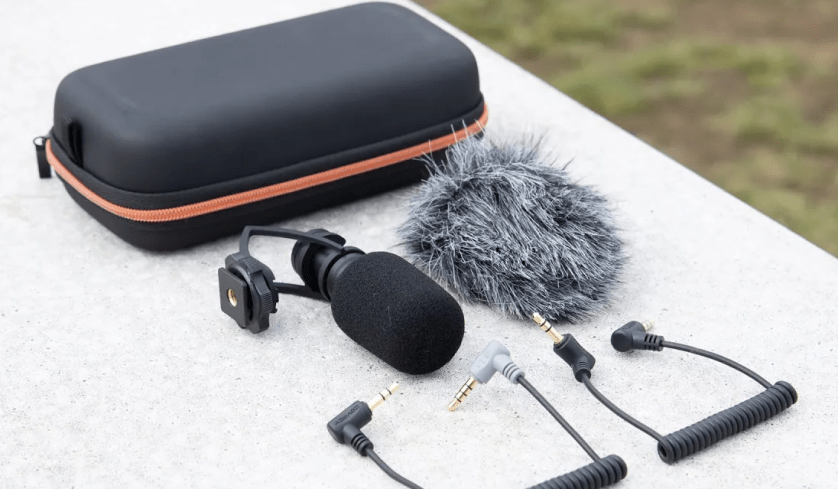 Why Choose Rollei Hear: Me Mini Compact Microphone for Smartphones?
